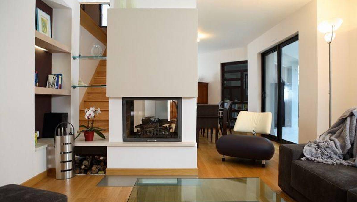 chemin e double faces totem sur peymeinade cheminee. Black Bedroom Furniture Sets. Home Design Ideas