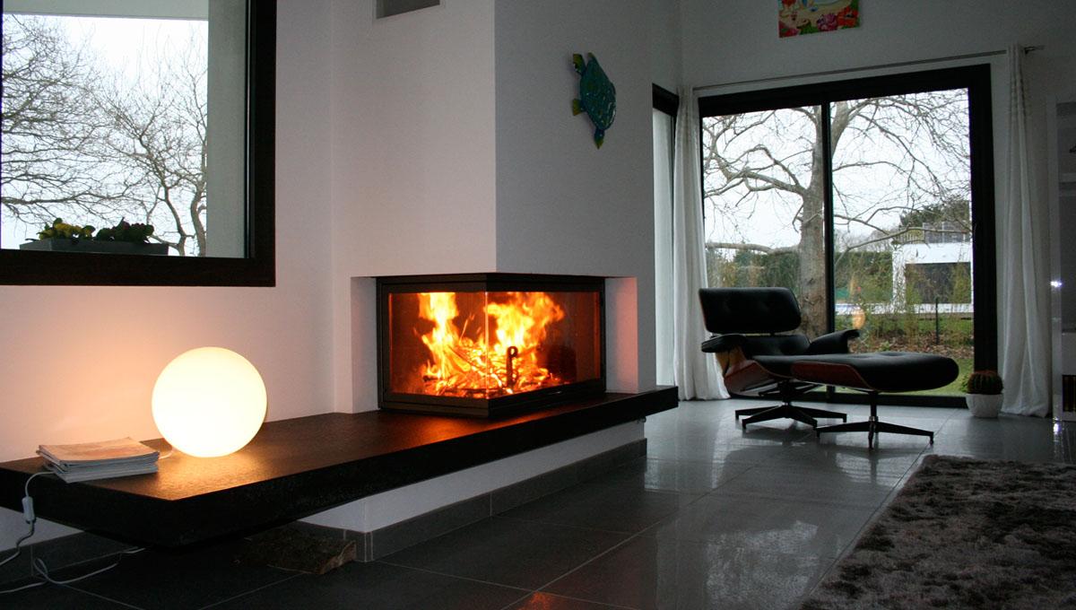 Installation d'une cheminée d'angle à Mougins