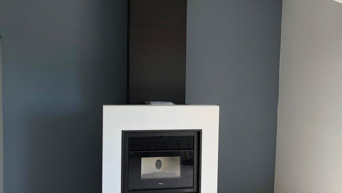 Installation d'une chemineée à granulés dans une cheminée